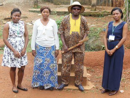 KELLAFRIQUE à la rencontre de sa Majesté Zoua Michel lors la journée Mondiale de Peuples autochtones.